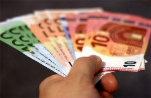 Privatkredite und Ratenkredite-Geld